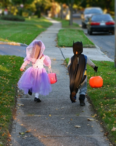 Zillow.com is out with its list of the best cities for safe trick or treating.